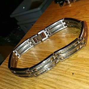NWOT mens stainless steel bar & cable bracelet